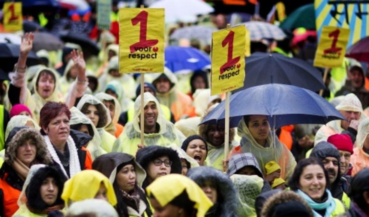 Schoonmakers tijdens een eerdere protestactie in Rotterdam. ANP