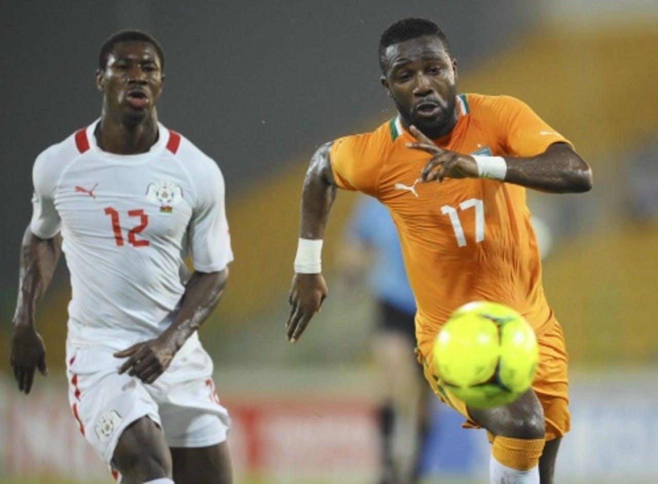 Niguimbe Nakoulma (L) van Burkina Faso en Siaka Tiene van Ivoorkust. EPA