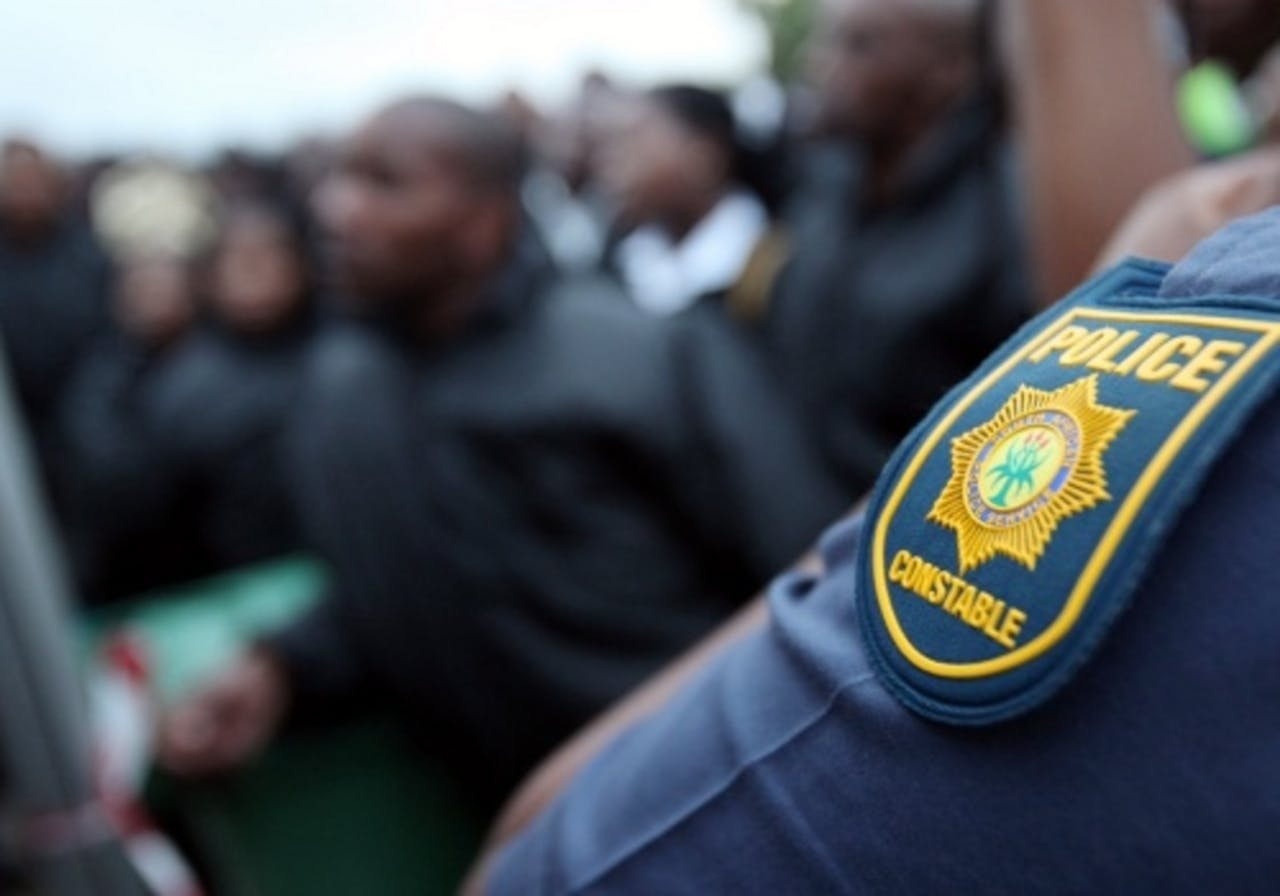 Archiefbeeld van een politieman in Zuid-Afrika. EPA