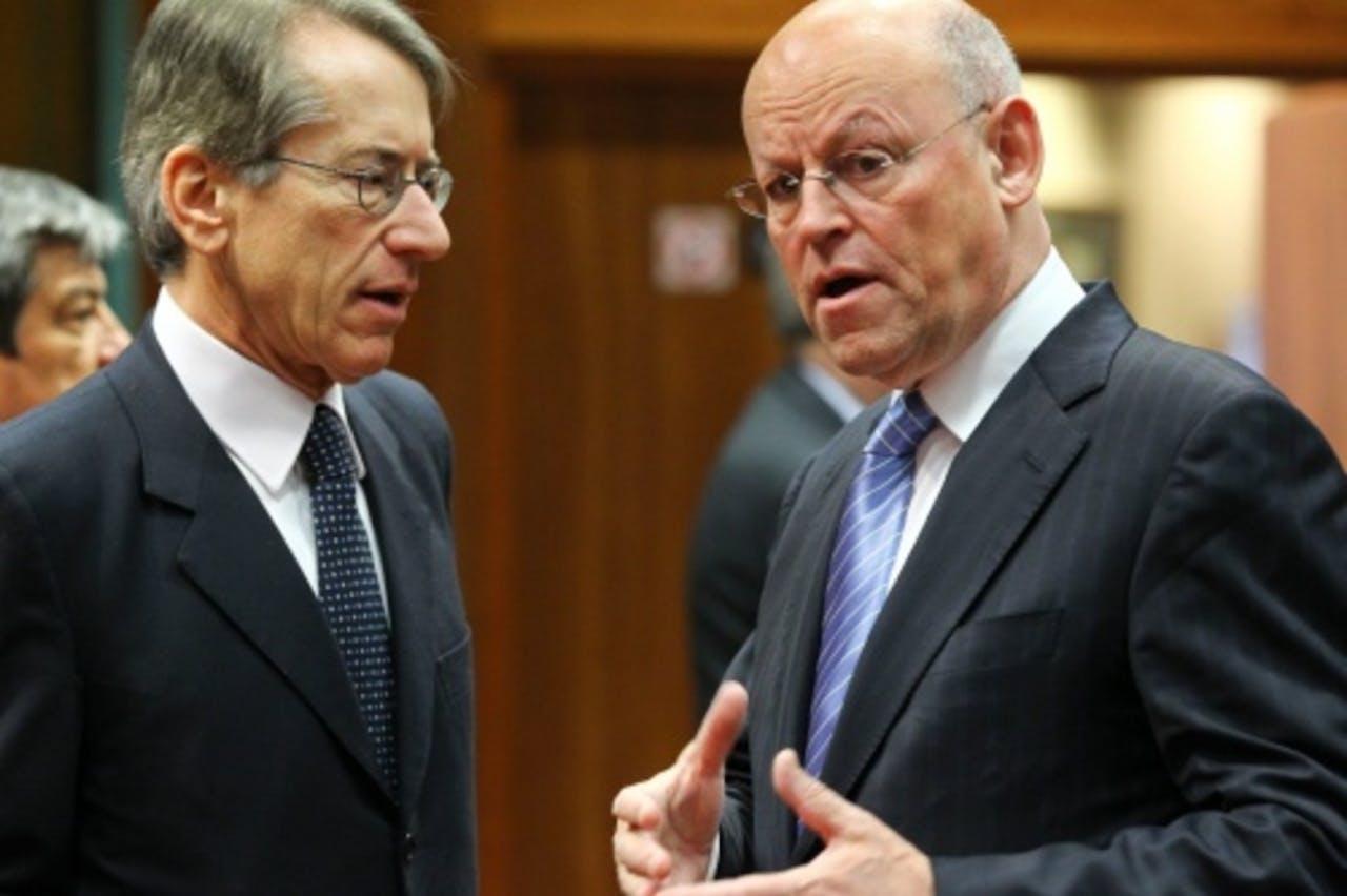 Minister Rosenthal (R) in overleg met de Italiaanse minister van Buitenlandse Zaken Giulio Terzi di Sant'agata. EPA