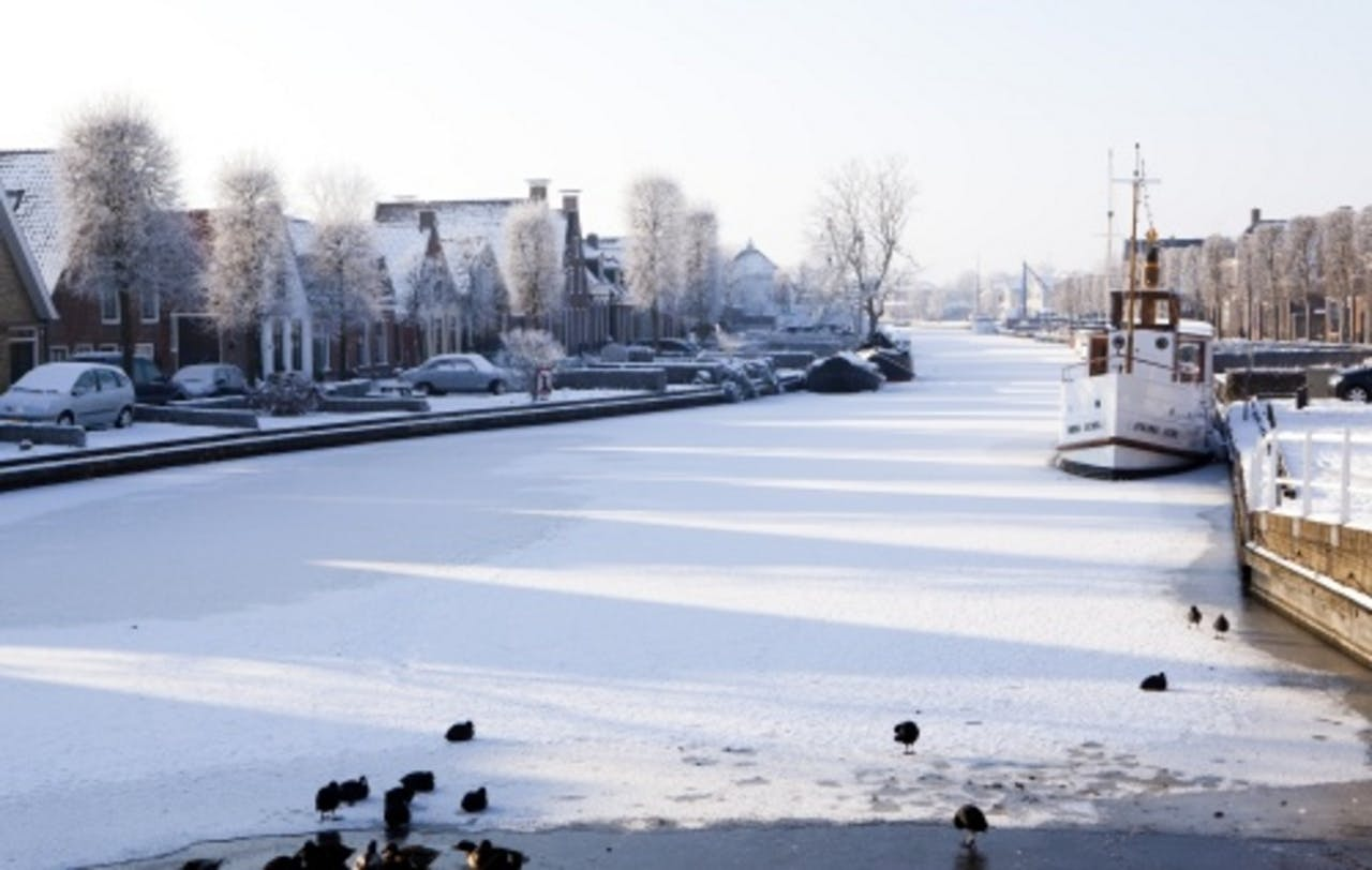 Water bij IJlst, een van de 11 steden, op archiefbeeld 2010. ANP