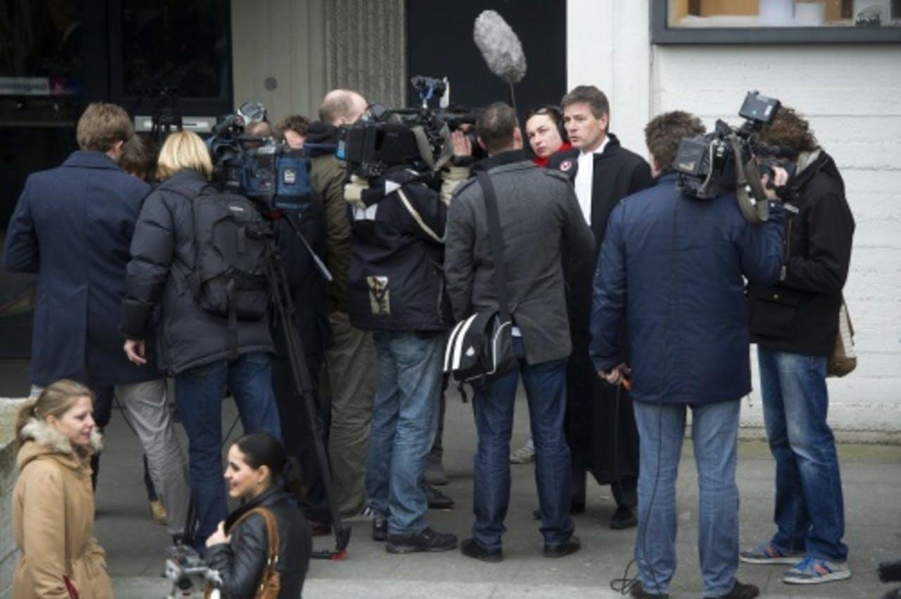 Tjalling van der Goot, advocaat van verdachte Robert M. staat de pers te woord bij de rechtbank in Amsterdam. ANP