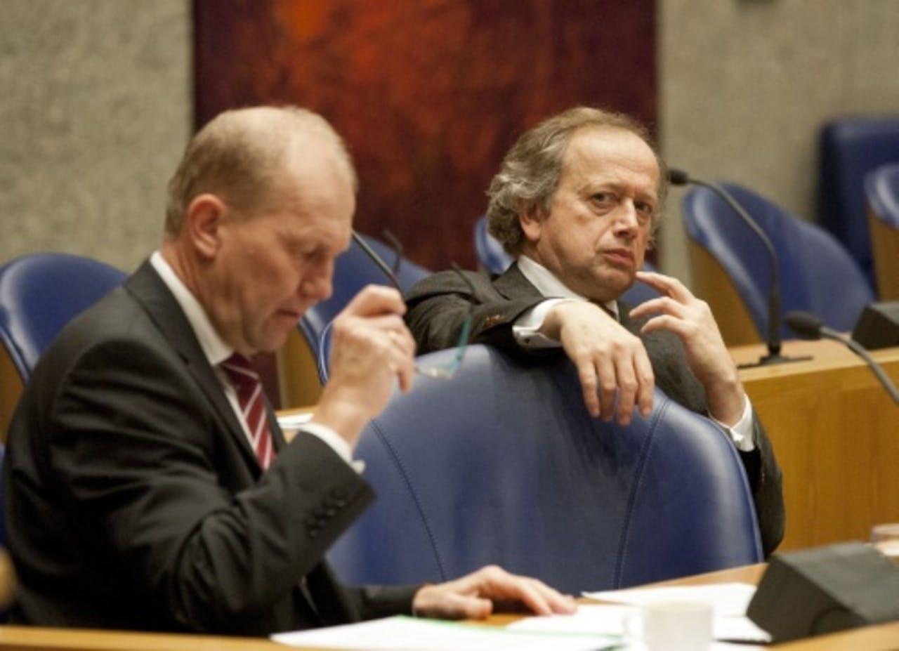 Staatssecretarissen Joop Atsma (L) en Henk Bleker. ANP