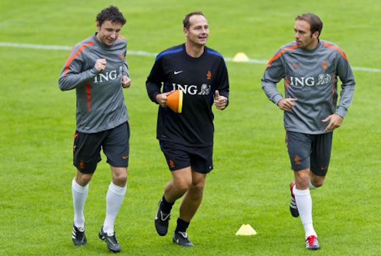 Dinsdag trainde Mathijsen nog uit voorzorg apart met Van Bommel. ANP
