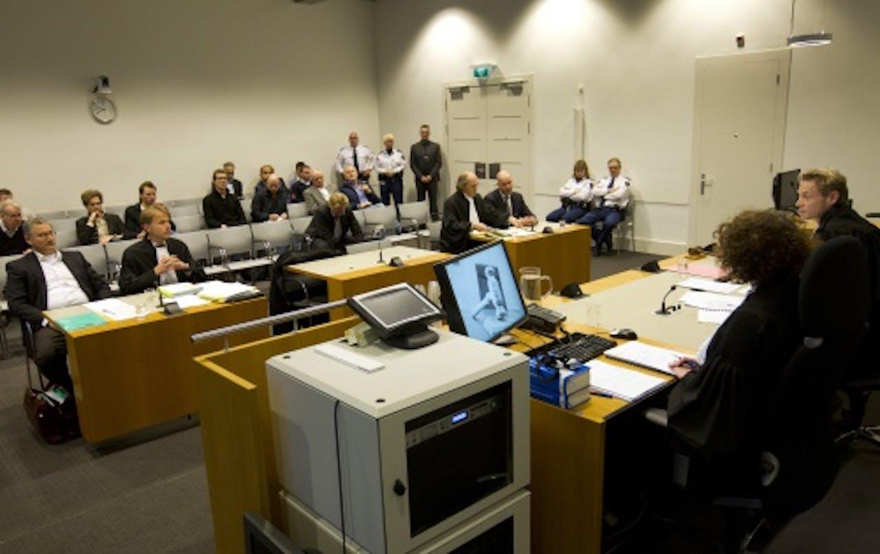 Tscheu La Ling, zijn advocaat Jan Kabalt, raadsman Stefan Kalff en Steven ten Have (van links naar rechts) afgelopen woensdag bij de rechtbank in Utrecht. ANP