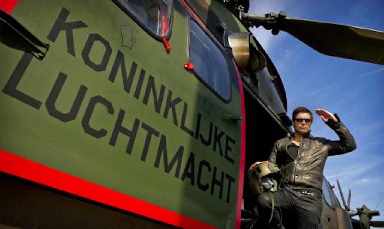 Ambassadeur van de Vrijheid Waylon vertrekt donderdag vanaf vliegbasis Gilze-Rijen per helikopter naar het Bevrijdingsfestival in Wageningen. ANP