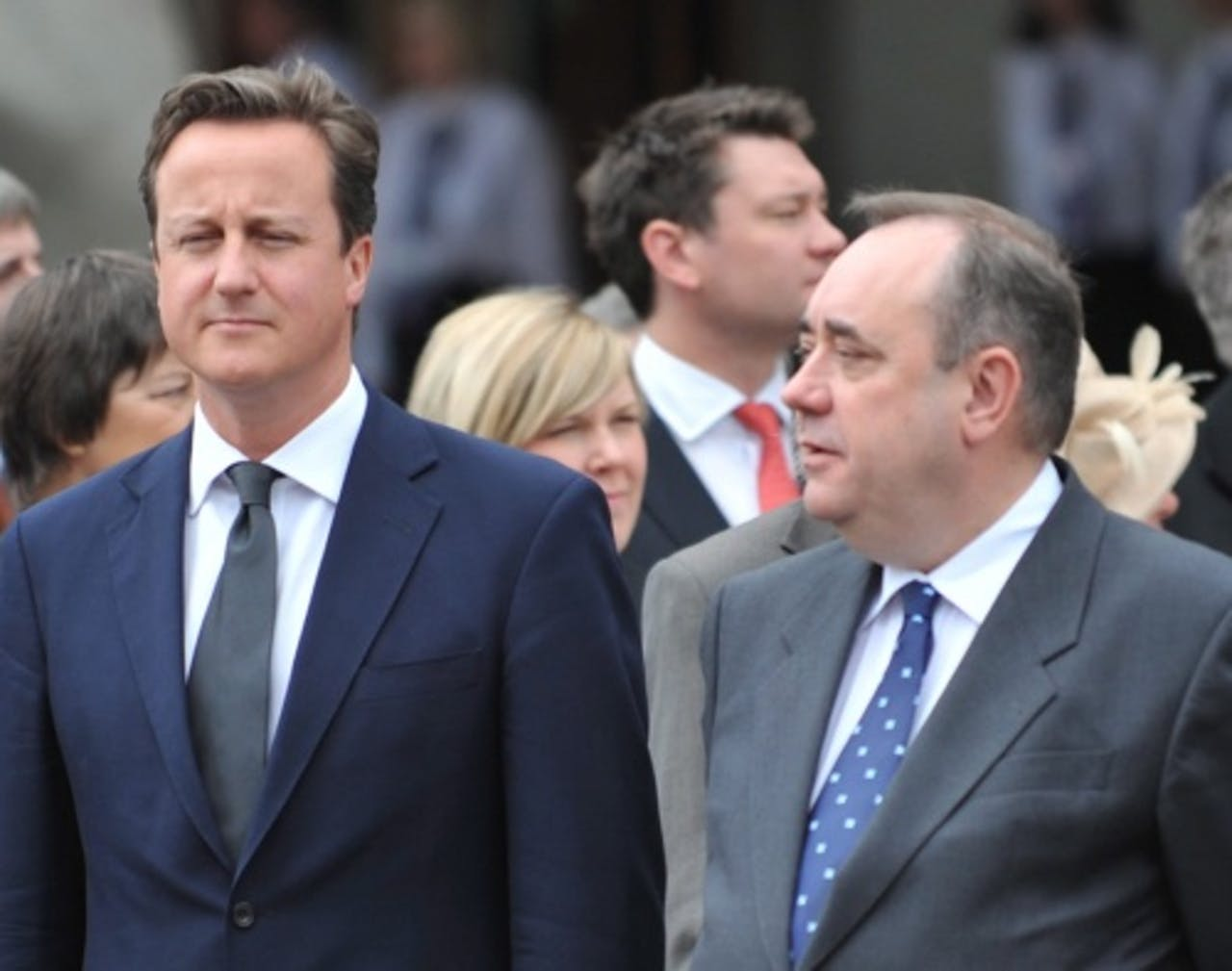 De Schotse premier Alex Salmond (R) en de Britse premier David Cameron (L). EPA