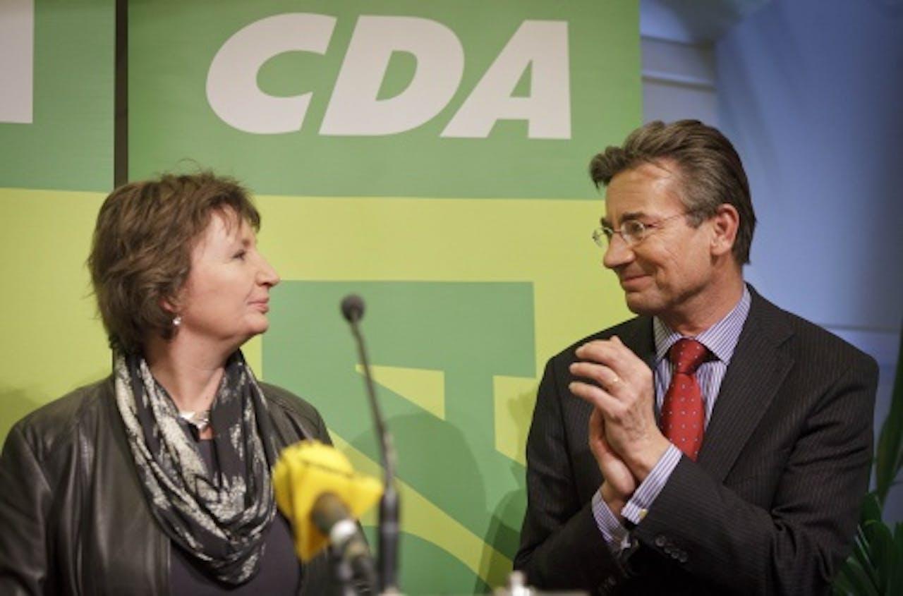 Liesbeth Spies (L) en Maxime Verhagen, maart 2011. ANP
