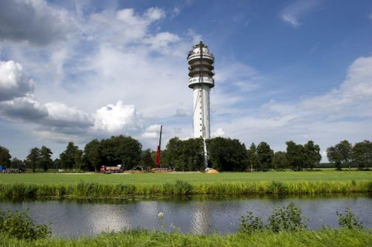 De beschadigde uitzendmast in Hoogersmilde. ANP