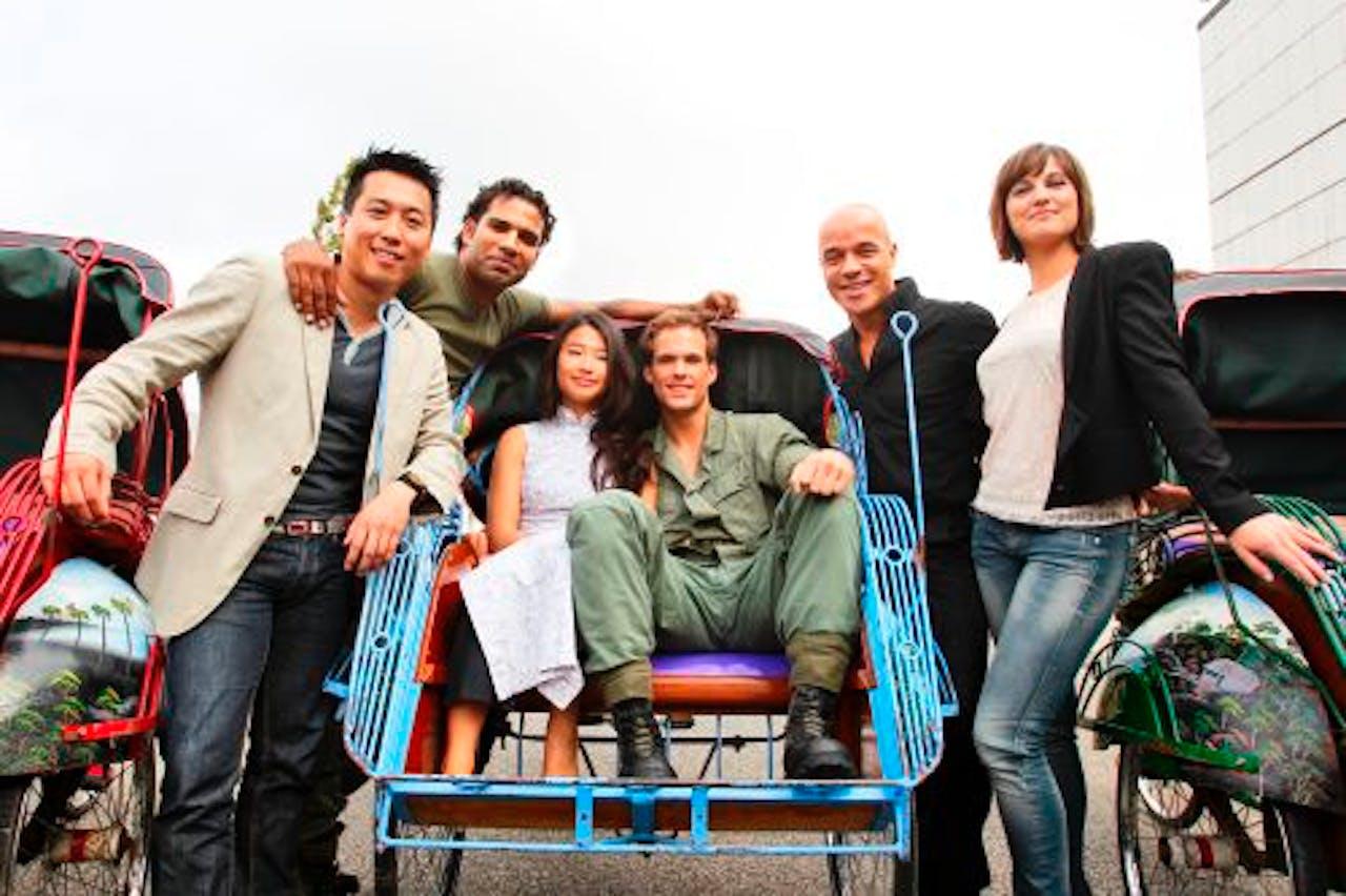 De hoofdrolspelers van de nieuwe musical Miss Saigon bij de presentatie in Amsterdam. ANP