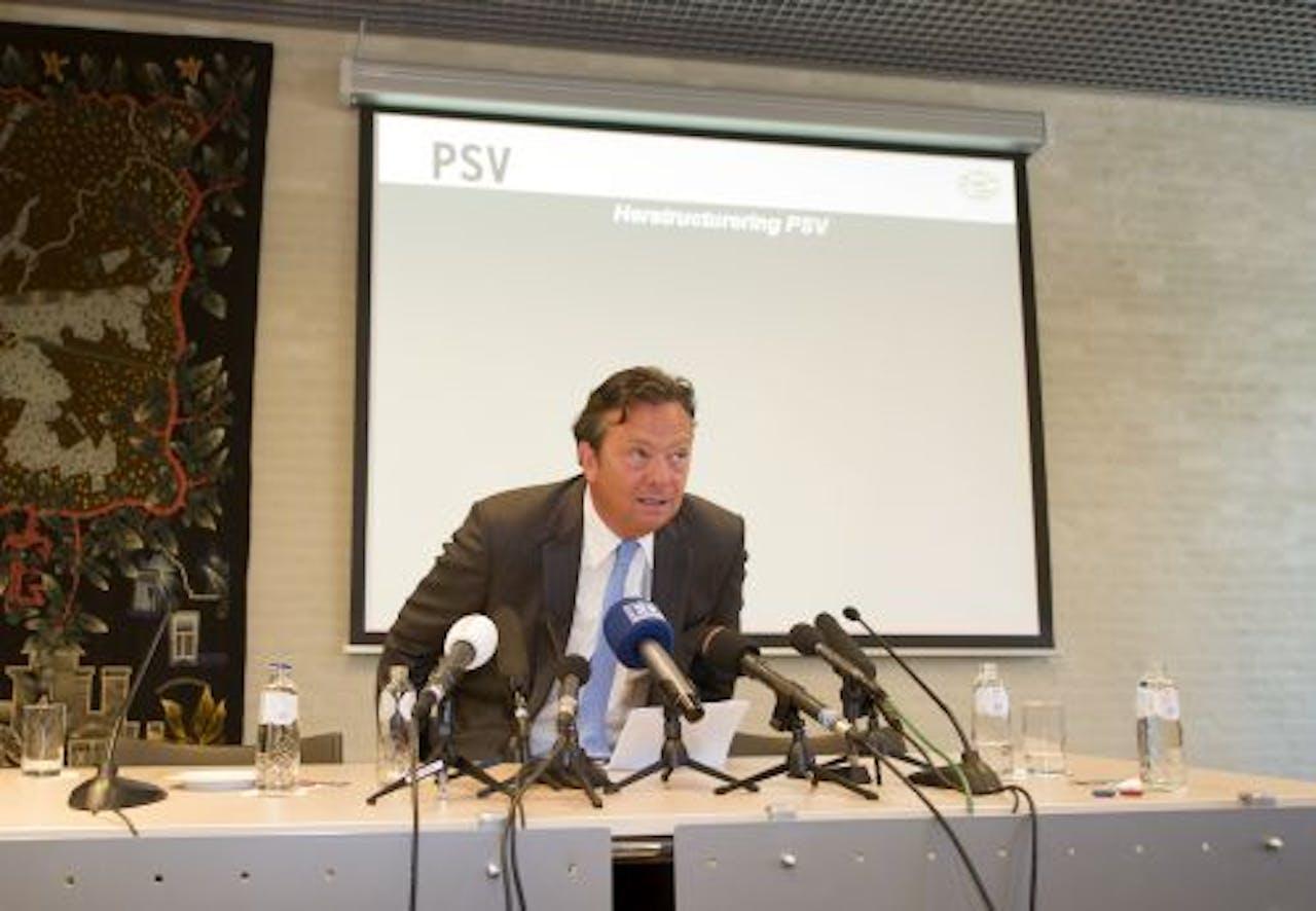 PSV-directeur Tiny Sanders geeft op het stadhuis van Eindhoven een persconferentie over de hulp van de gemeente aan PSV. ANP