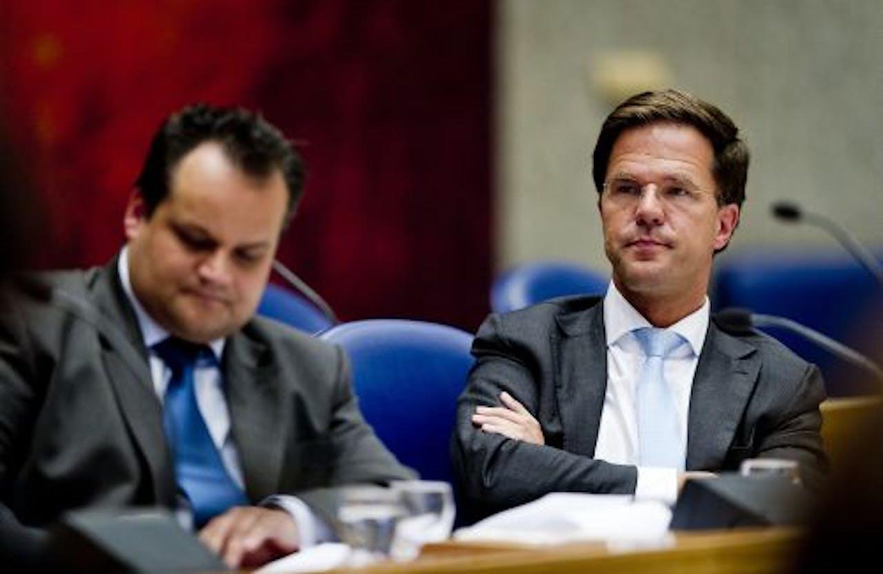 Premier Mark Rutte (R) en minister Jan Kees de Jager (Financiën) (L). ANP