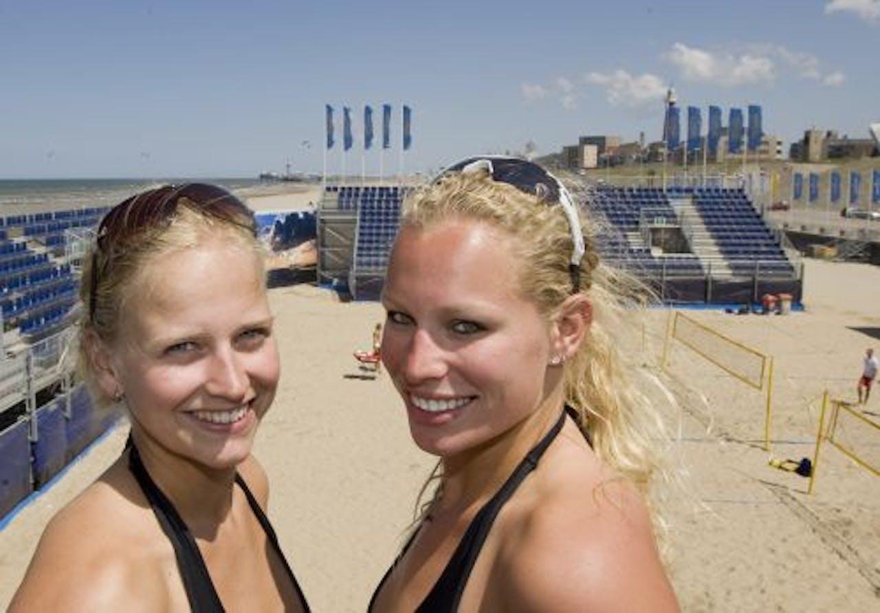 Marleen van Iersel en Sanne Keizer (R). ANP
