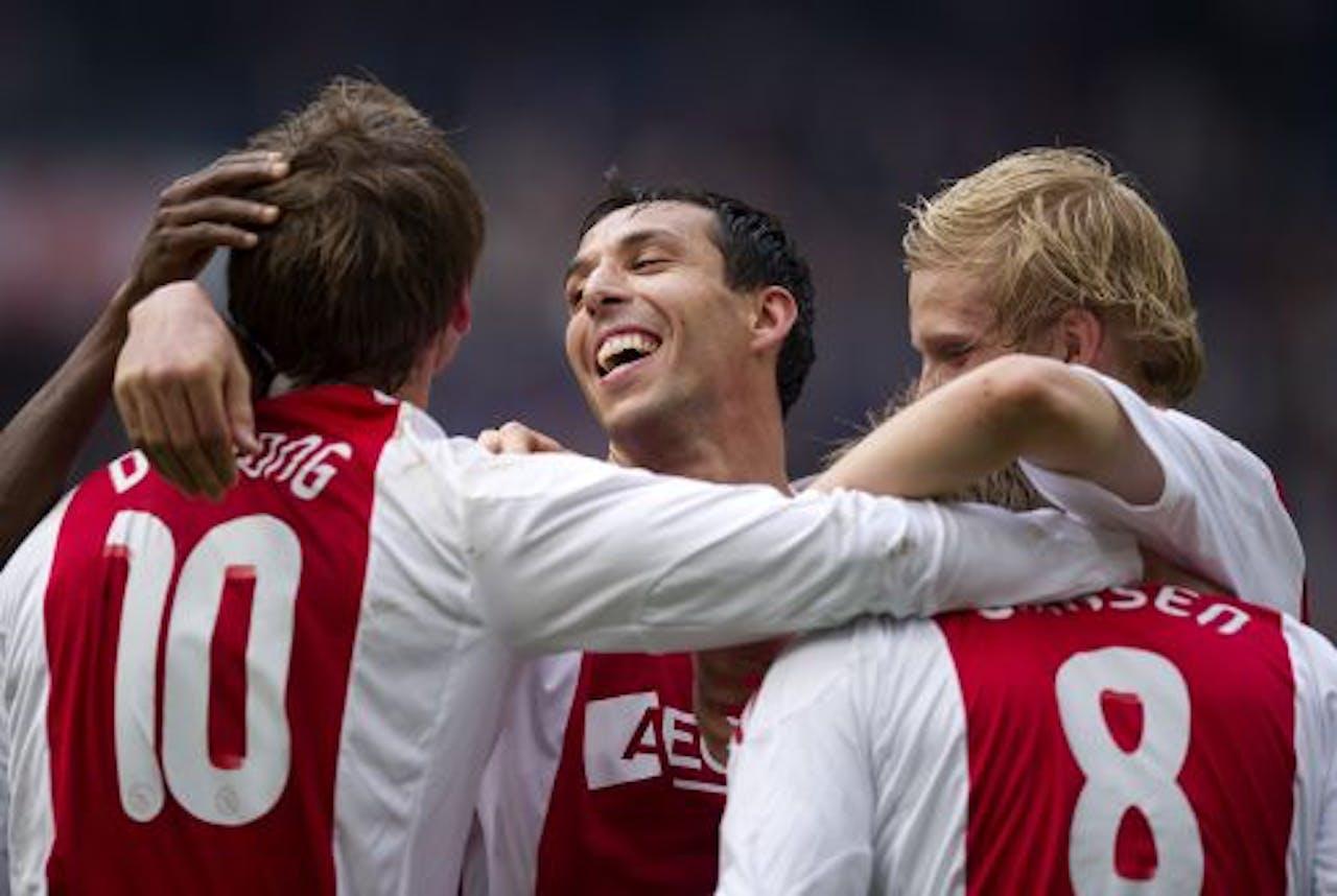 Vreugde bij Ajax na de 2-0 van Siem de Jong. ANP