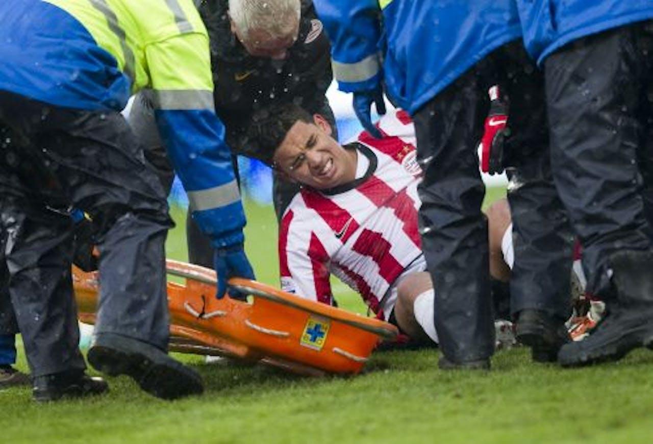De spits raakte op 19 december tijdens de competitiewedstrijd tegen Roda JC zwaar geblesseerd. ANP