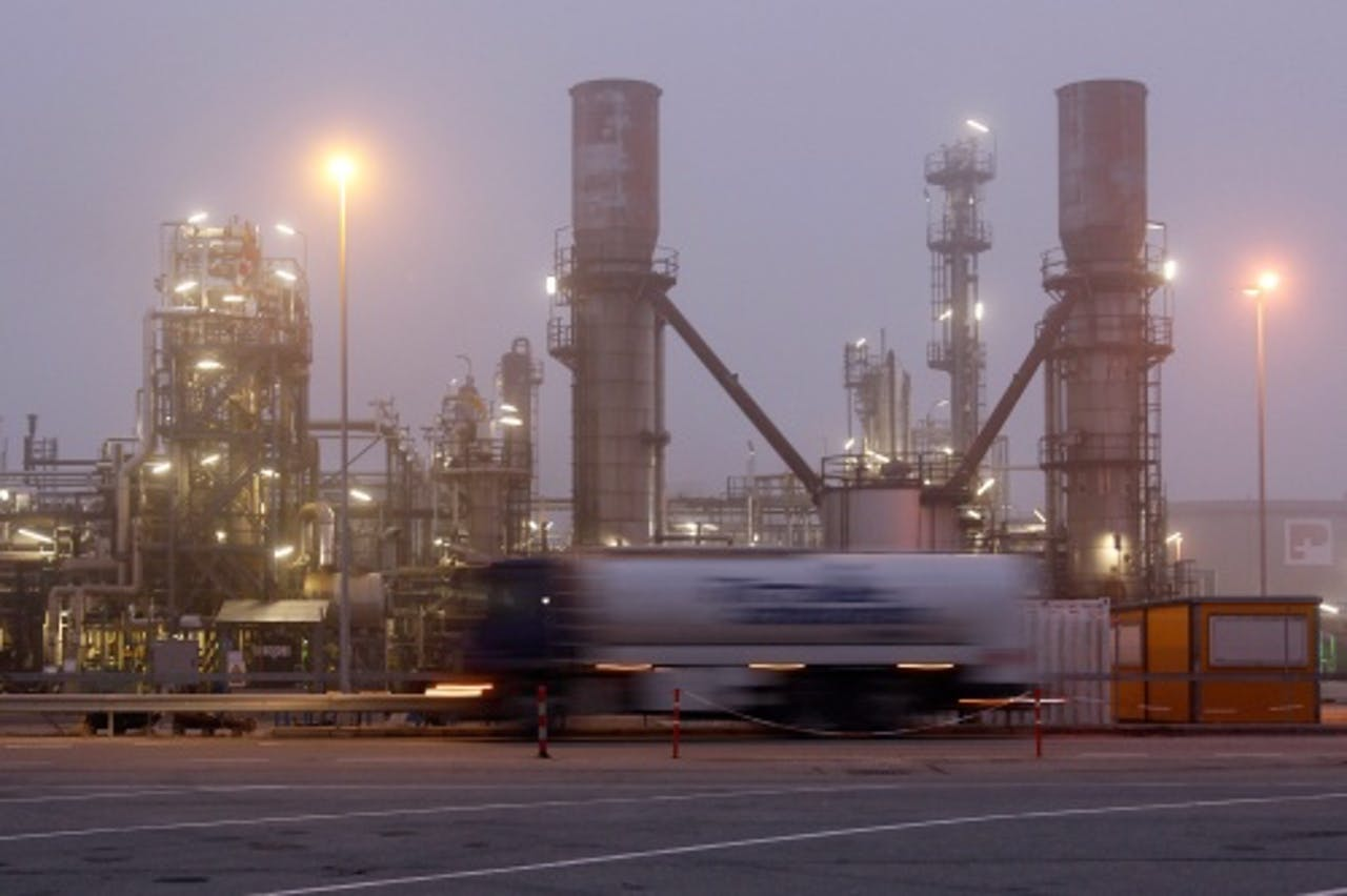 Olieraffinaderij van Petroplus in Cressier, Zwitserland. EPA