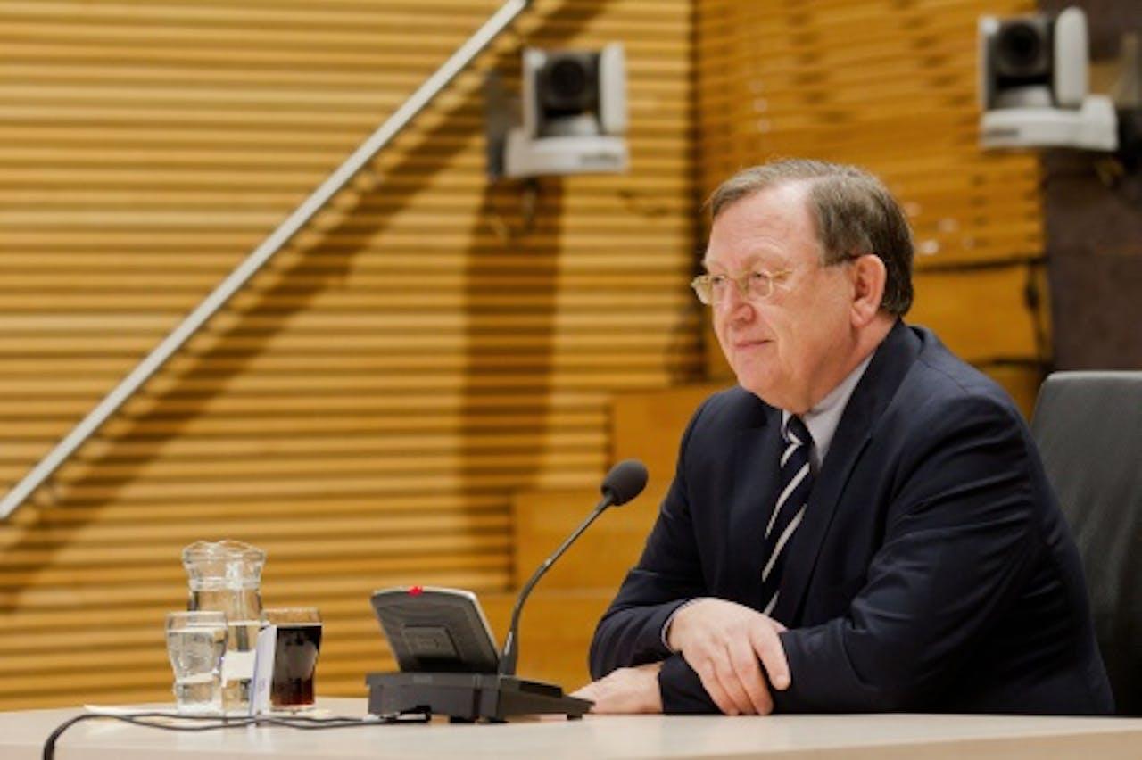 Nout Wellink tijdens het verhoor van de parlementaire enquêtecommissie. ANP