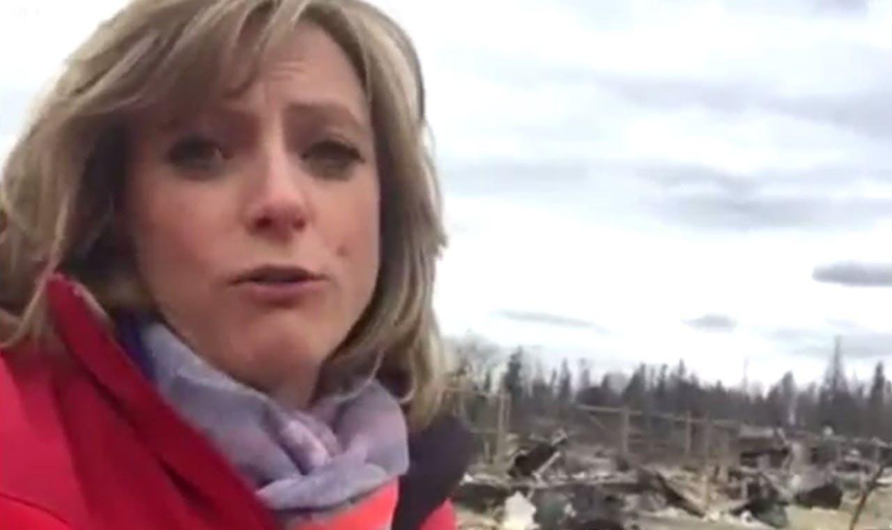 Laura Bicker bekijkt Fort McMurray