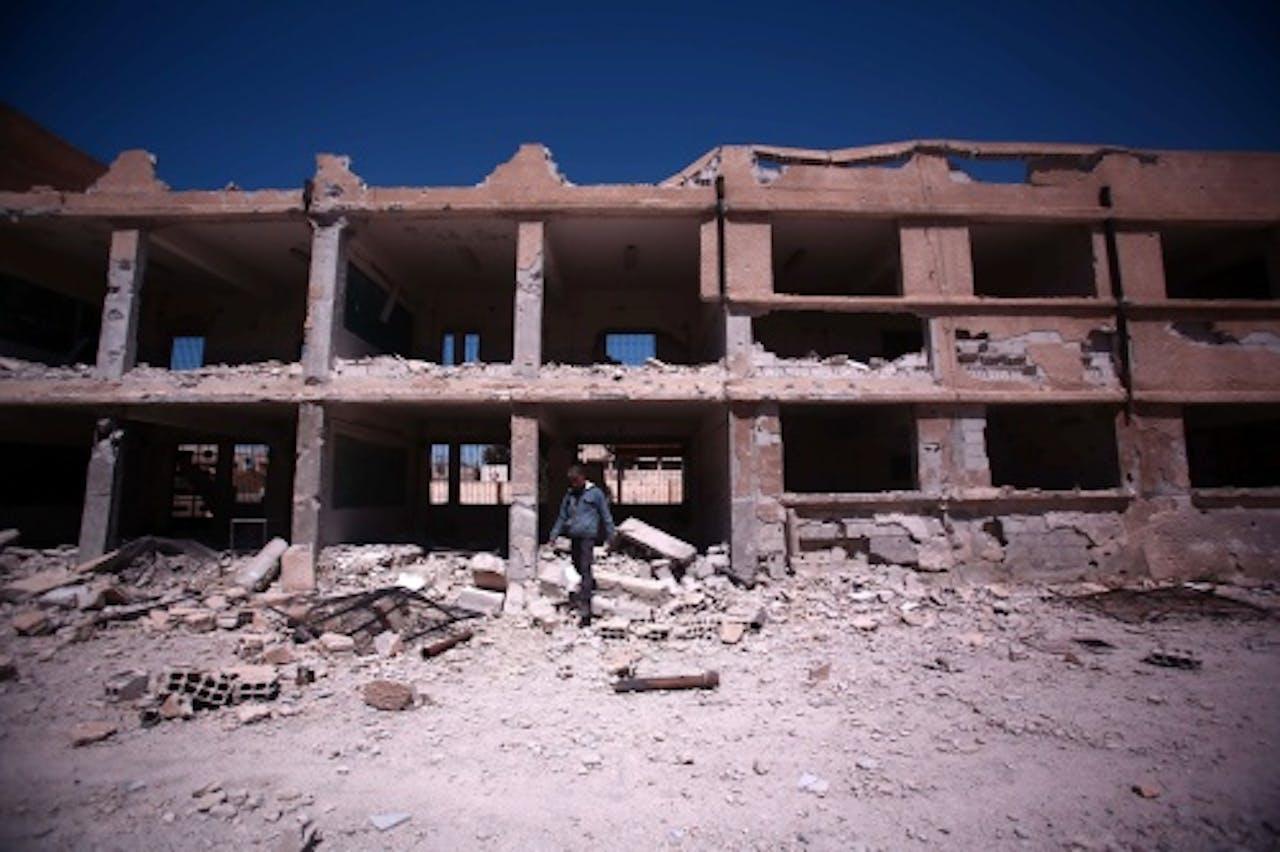Een eerder aangevallen school in Deir al-Zor. EPA