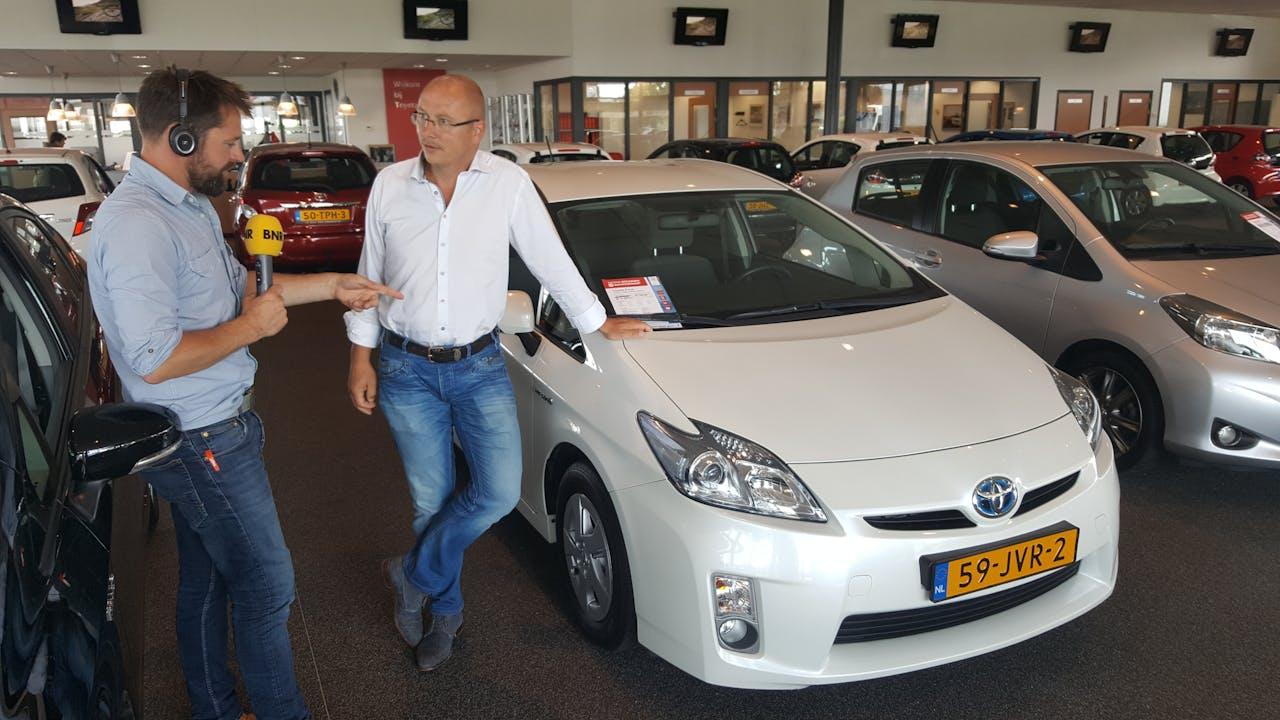 Harmen van der Veen en René Beukers, Toyota-dealer in 's-Gravenzande.