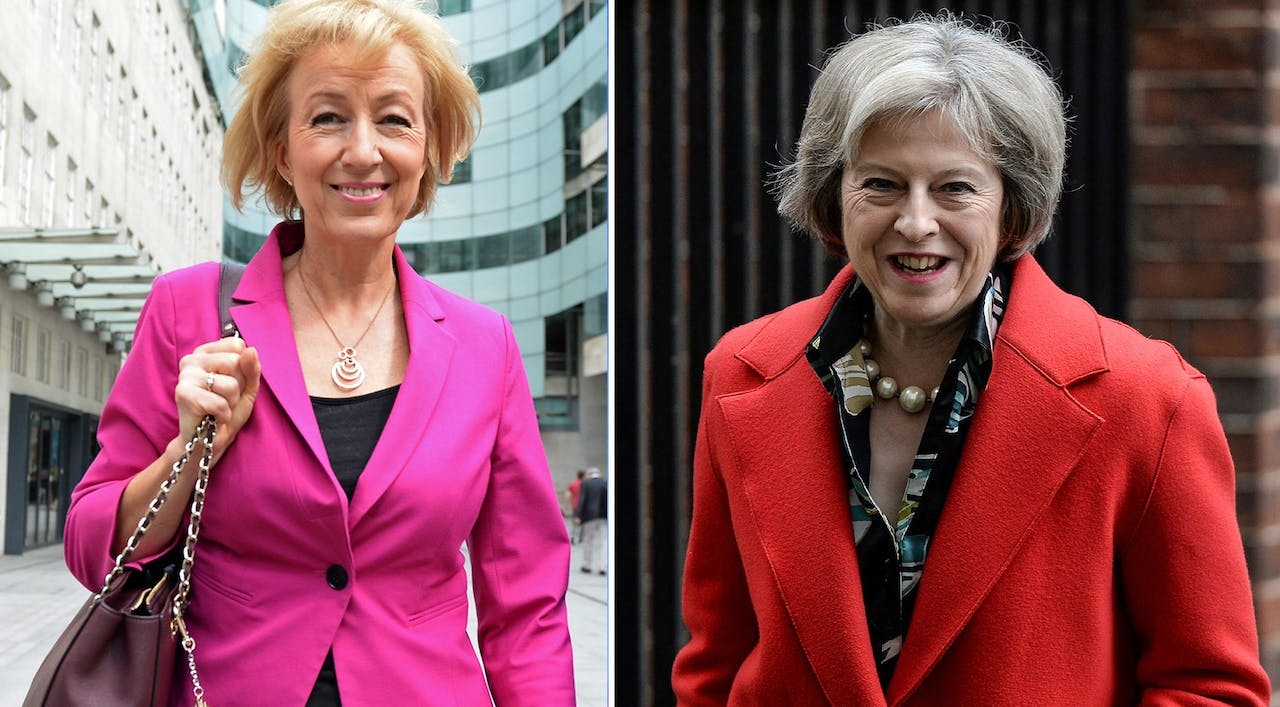 Links Andrea Leadsom, rechts Theresa May.