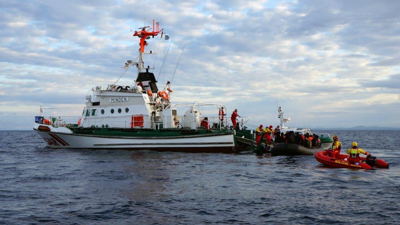 Frontex aan het werk bij het Griekse Lesbos. Foto van maart 2016, ANP/EPA