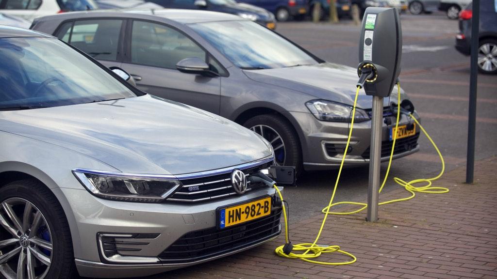 Stekker Volgend Jaar Helemaal Uit Hybride Auto Bnr Nieuwsradio