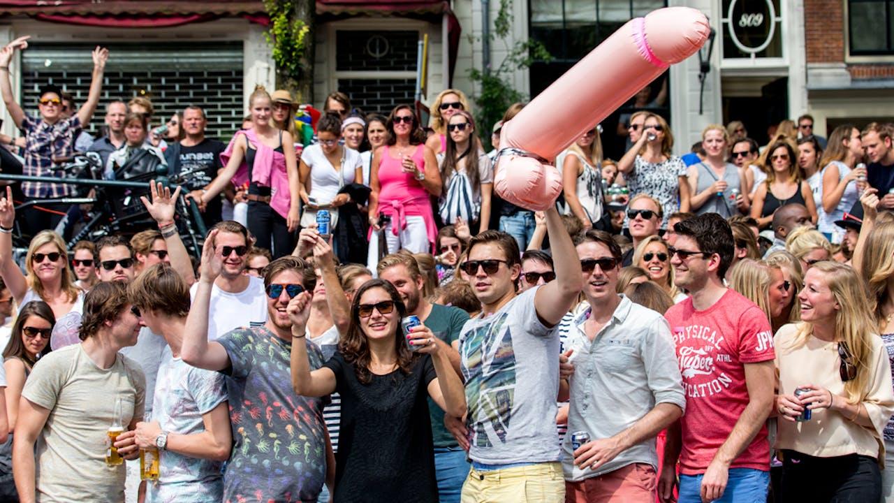 De jaarlijkse Gay Parade trekt honderdduizenden bezoekers.