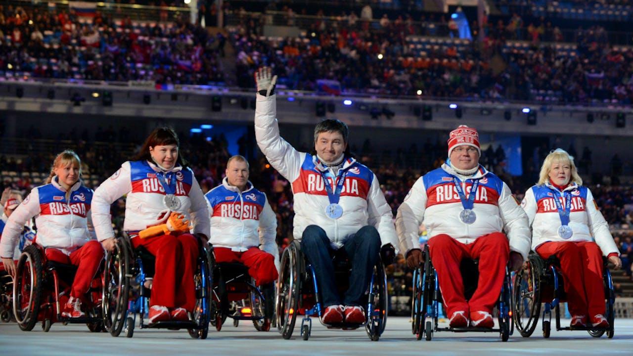 Russische paralympische delegatie bij sluitingsceremonie in Sochi. Foto ANP