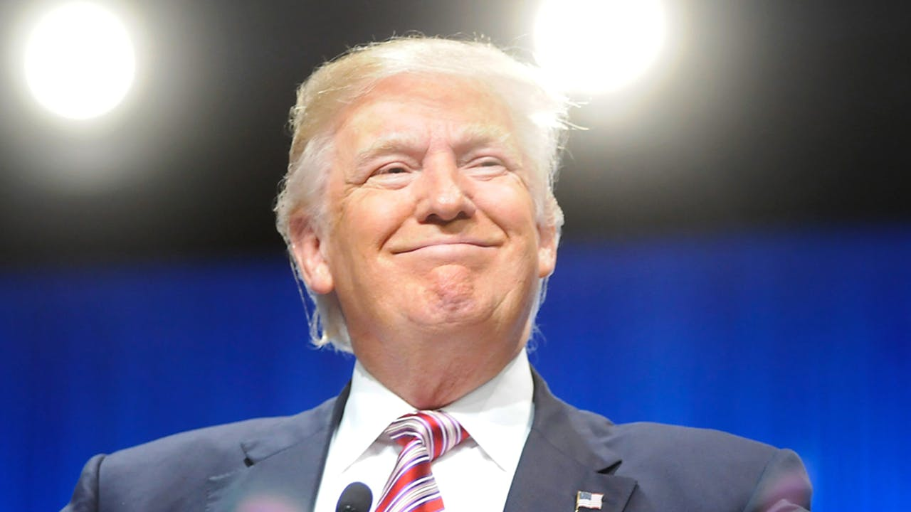 Trump: 'Geloof het of niet, het spijt me.'