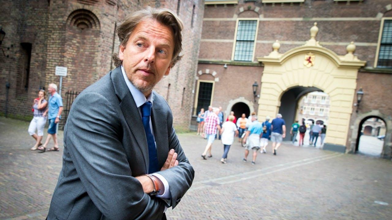 Minister Koenders op het Binnenhof. Foto ANP