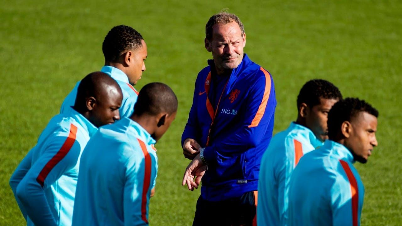 Bondscoach Danny Blind met de ploeg van Oranje. Foto ANP