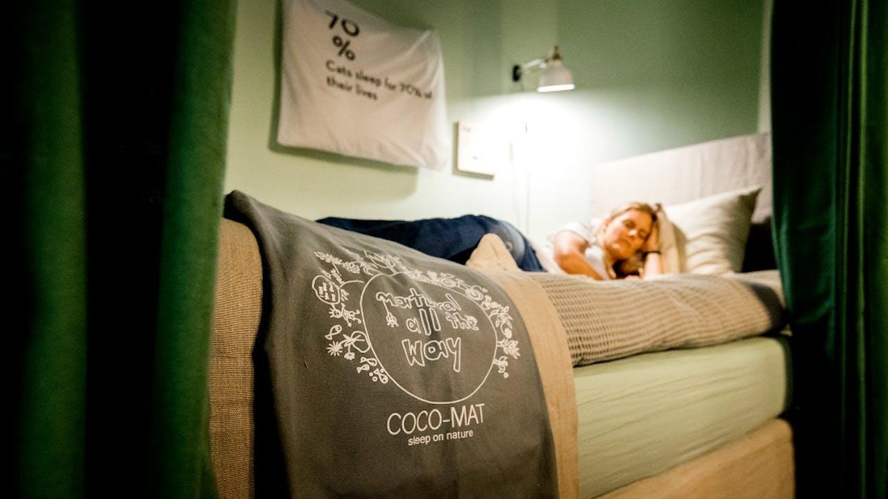 De 'recharge room' bij Spaces in Amsterdam waar werknemers een dutje kunnen doen. Foto: ANP