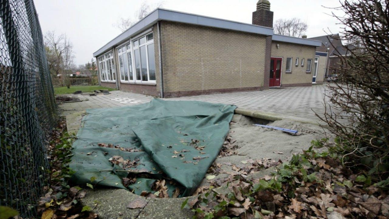 De in 2011 gesloten basisschool De Berenburcht in Baarland (Zeeland). Er zaten op het laatst 10 leerlingen op de school. Foto: Joyce van Belkom/Hollandse Hoogte