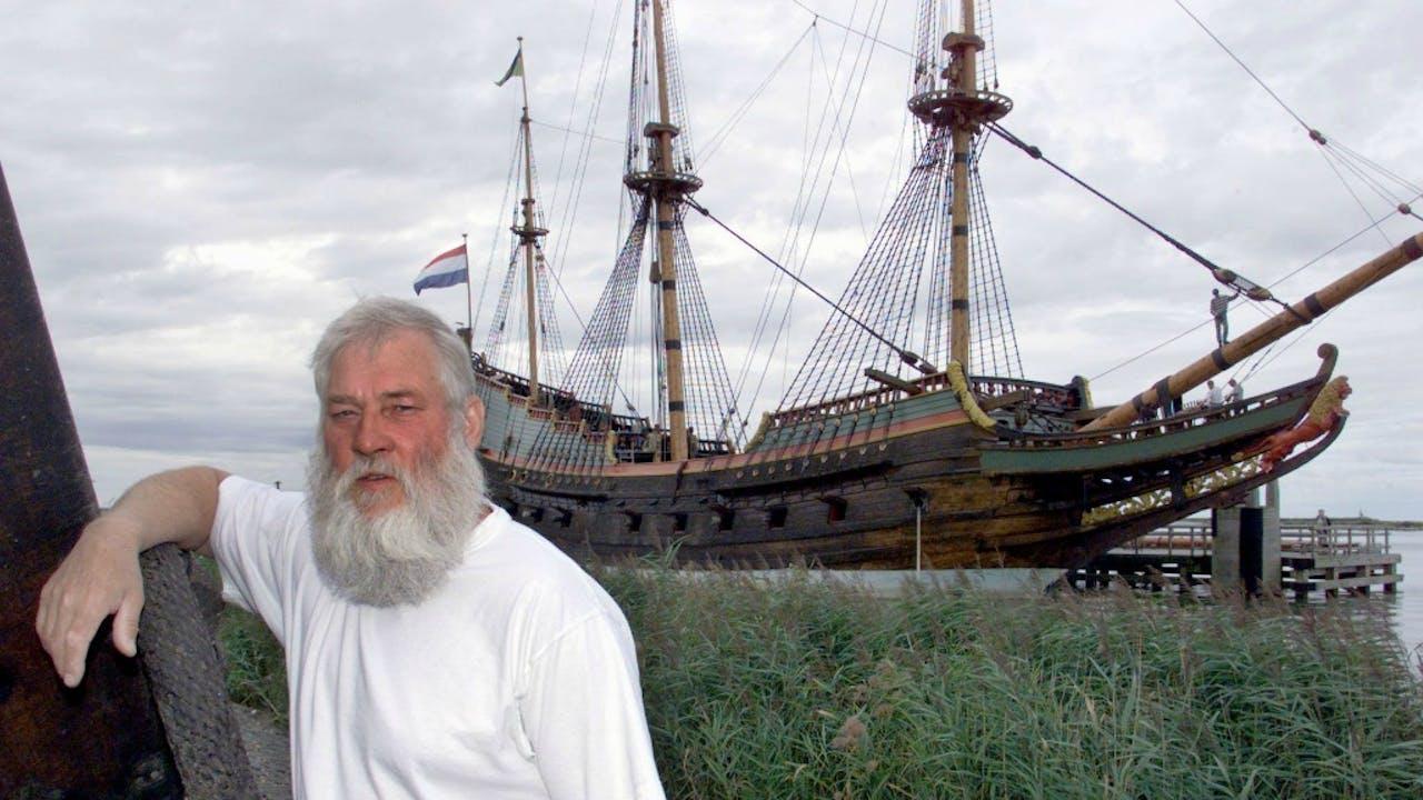 Willem Vos bij de Batavia. Foto ANP