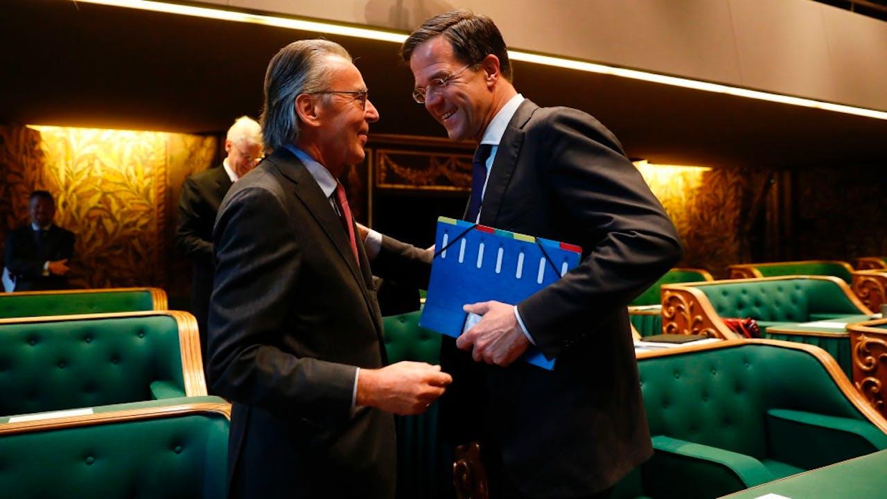 Rutte begroet Elco Brinkman, fractievoorzitter van het CDA in de Eerste Kamer. Foto: ANP
