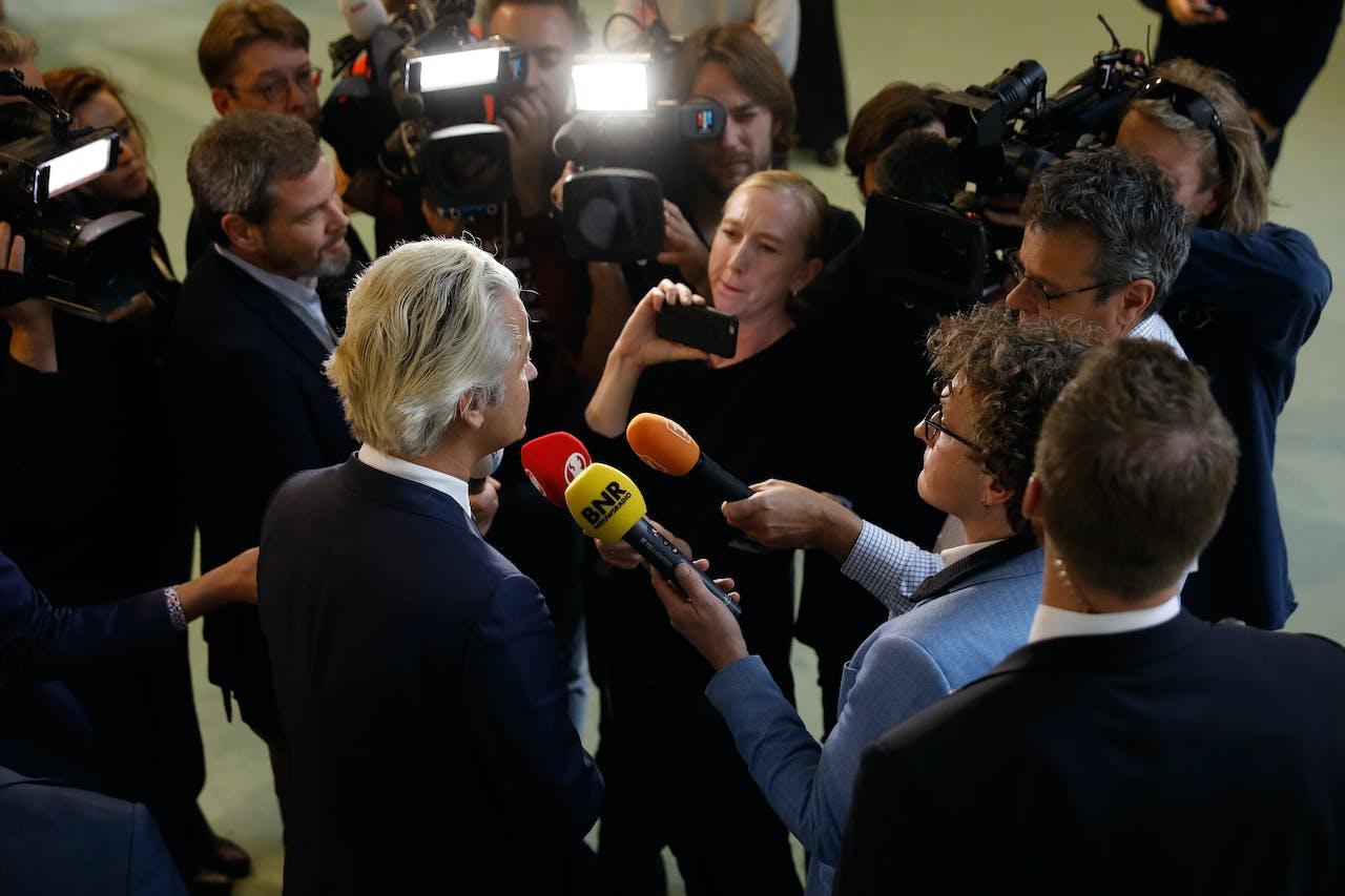 Geert Wilders is als een van de weinige Kamerleden blij met de overwinning van Trump. Foto: ANP.