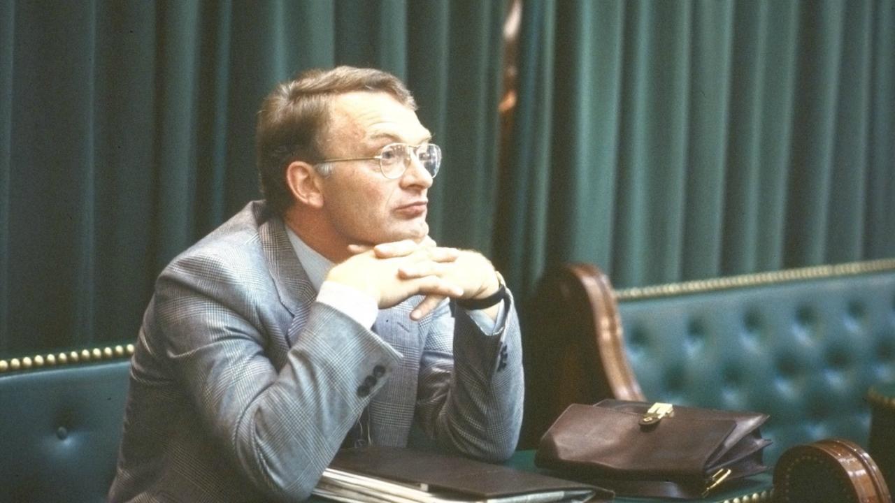 Lijsttrekker van de Centrum Partij Hans Janmaat op zijn eerste dag als Tweede Kamerlid (Foto: ANP, 1982)