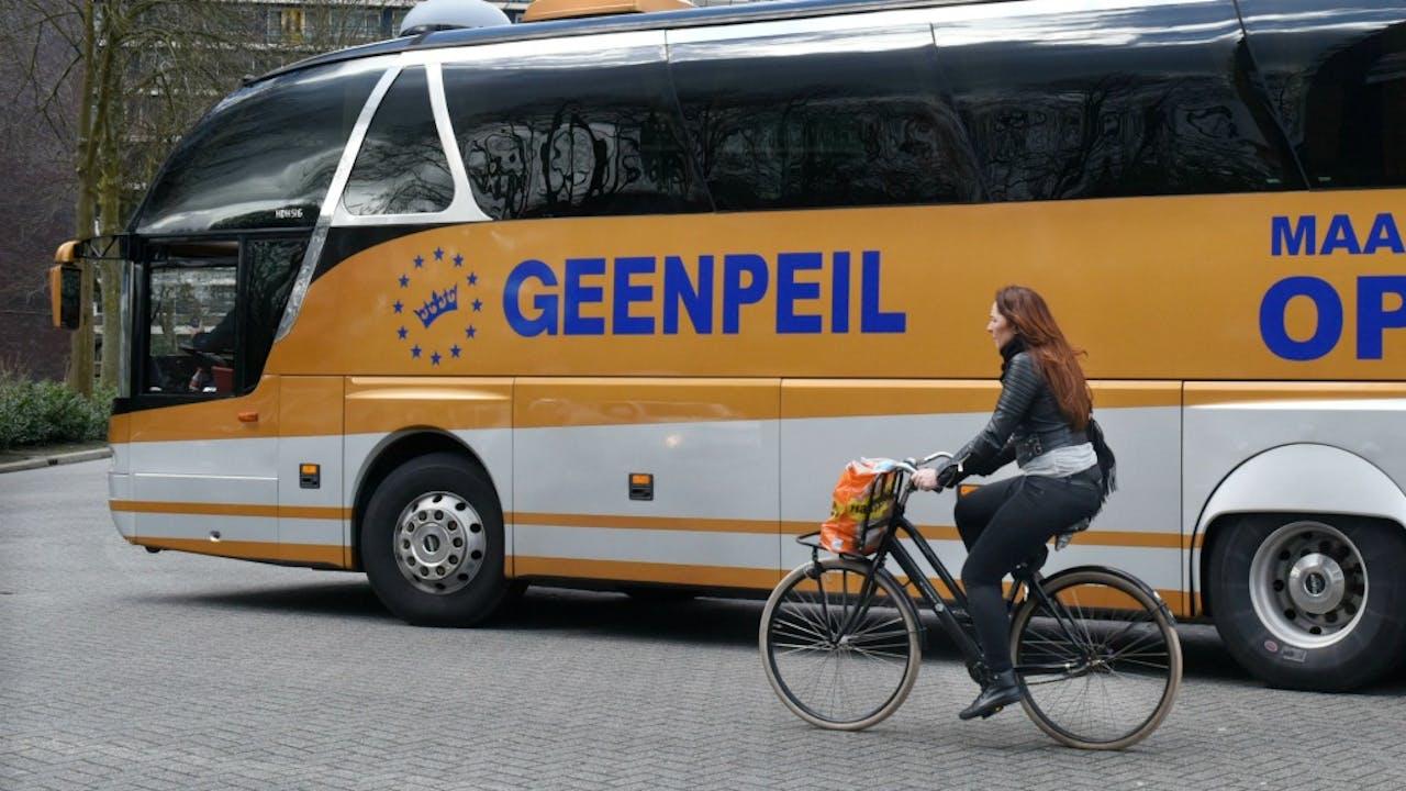 De actiebus van GeenPeil voor het Oekraïnereferendum. Foto: HH/Peter Hilz