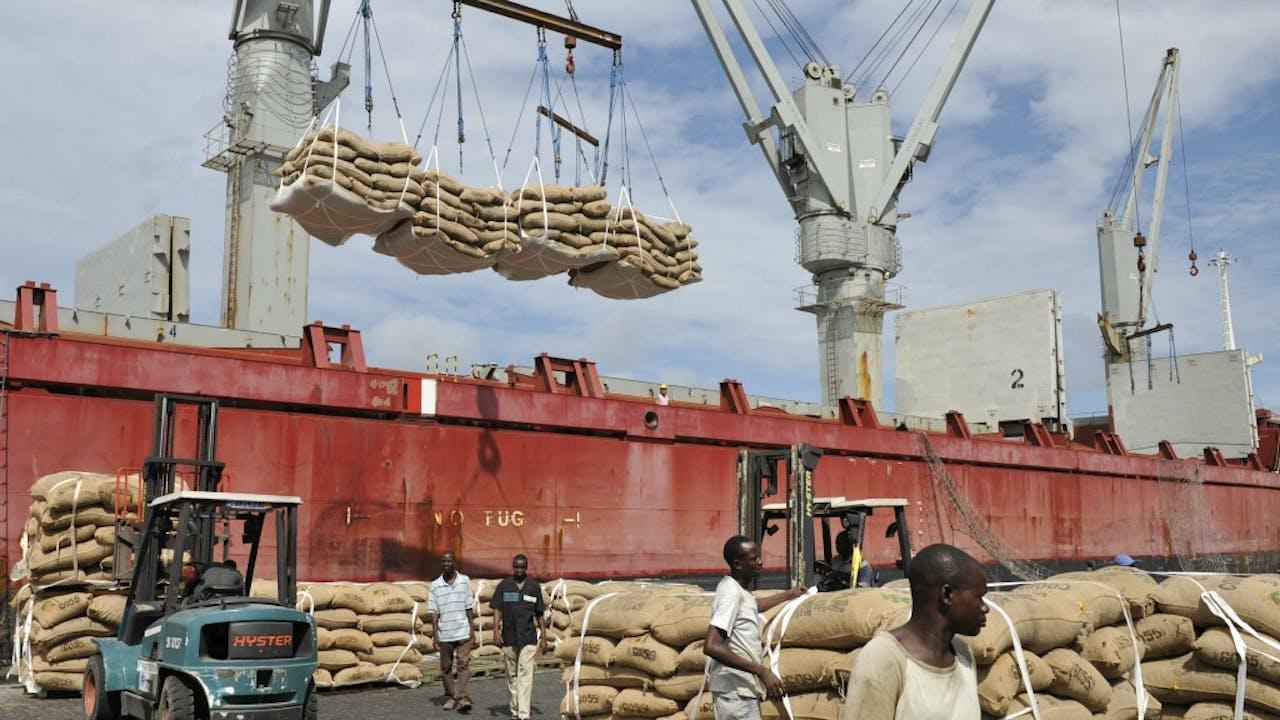 Cacao-overslag in Ivoorkust, één van de opkomende markten. Foto: AFP/ANP