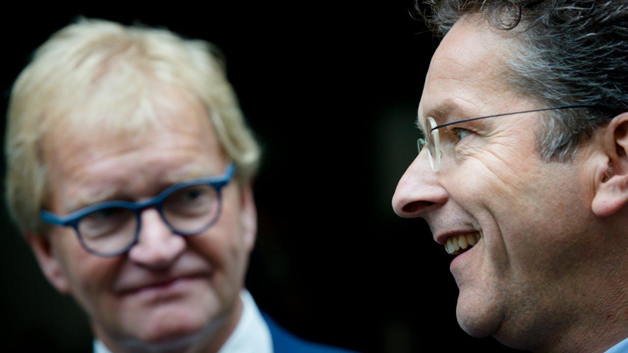 Hans de Boer van VNO-NCW en minister Jeroen Dijsselbloem van Financiën tijdens de presentatie van een rapport over een Nederlandse Financieringsinstelling voor Economische Ontwikkeling Foto ANP