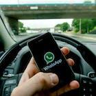 whatsapp-in-de-auto.jpg