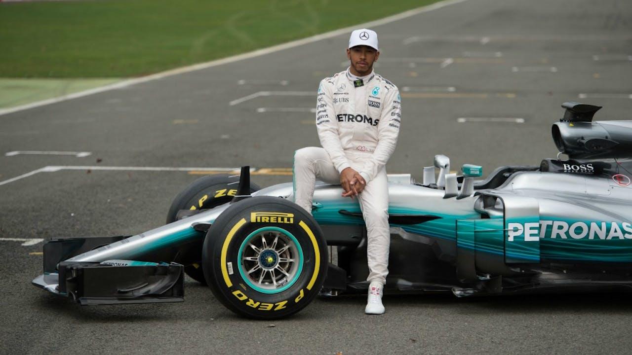 Lewis Hamilton met zijn nieuwe Mercedes. Foto: ANP.