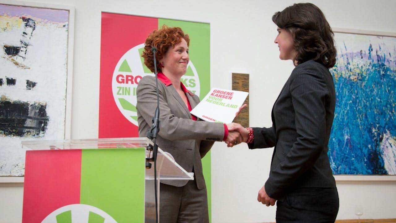 Kathalijne Buitenweg (links) met GroenLinks-partijvoorzitter Heleen Weening. Foto ANP
