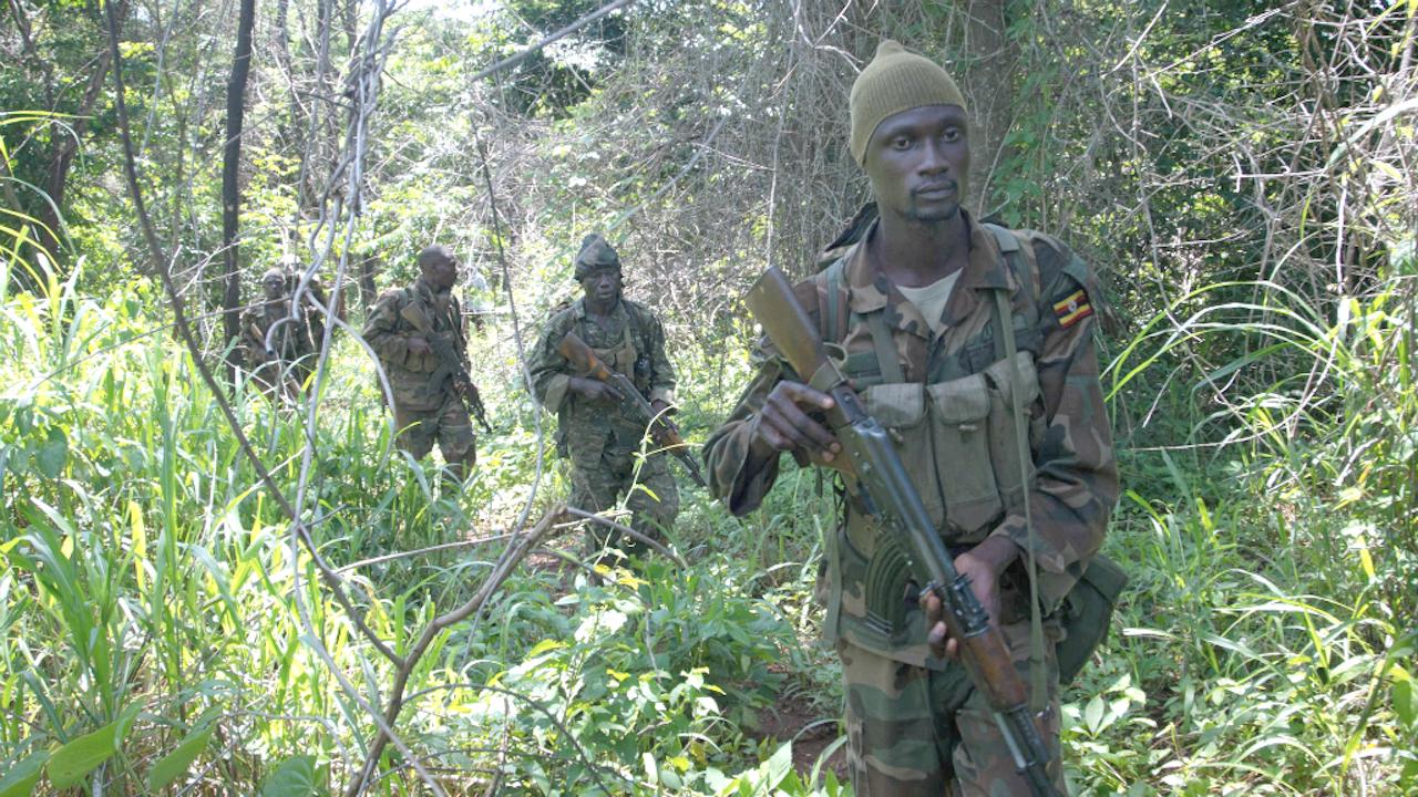Oegandese soldaten op zoek naar LRA-strijders in 2014. Foto: ANP