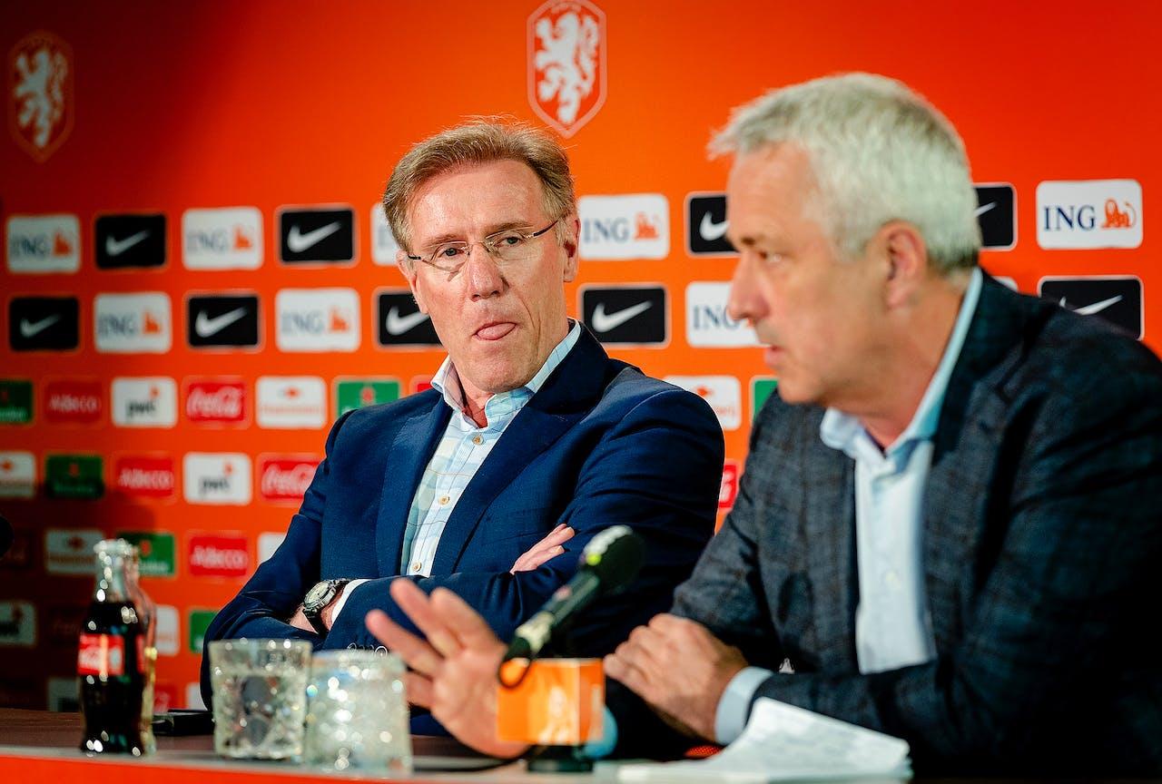 Directeur betaald voetbal Jean Paul Decossaux en technisch directeur Hans van Breukelen (l). Foto ANP
