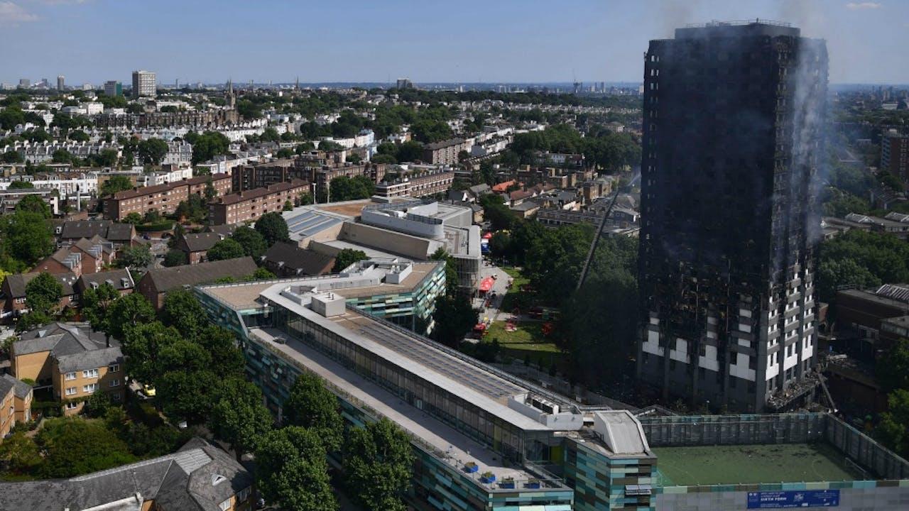 Van de flat in Londen is weinig over. Foto: ANP.