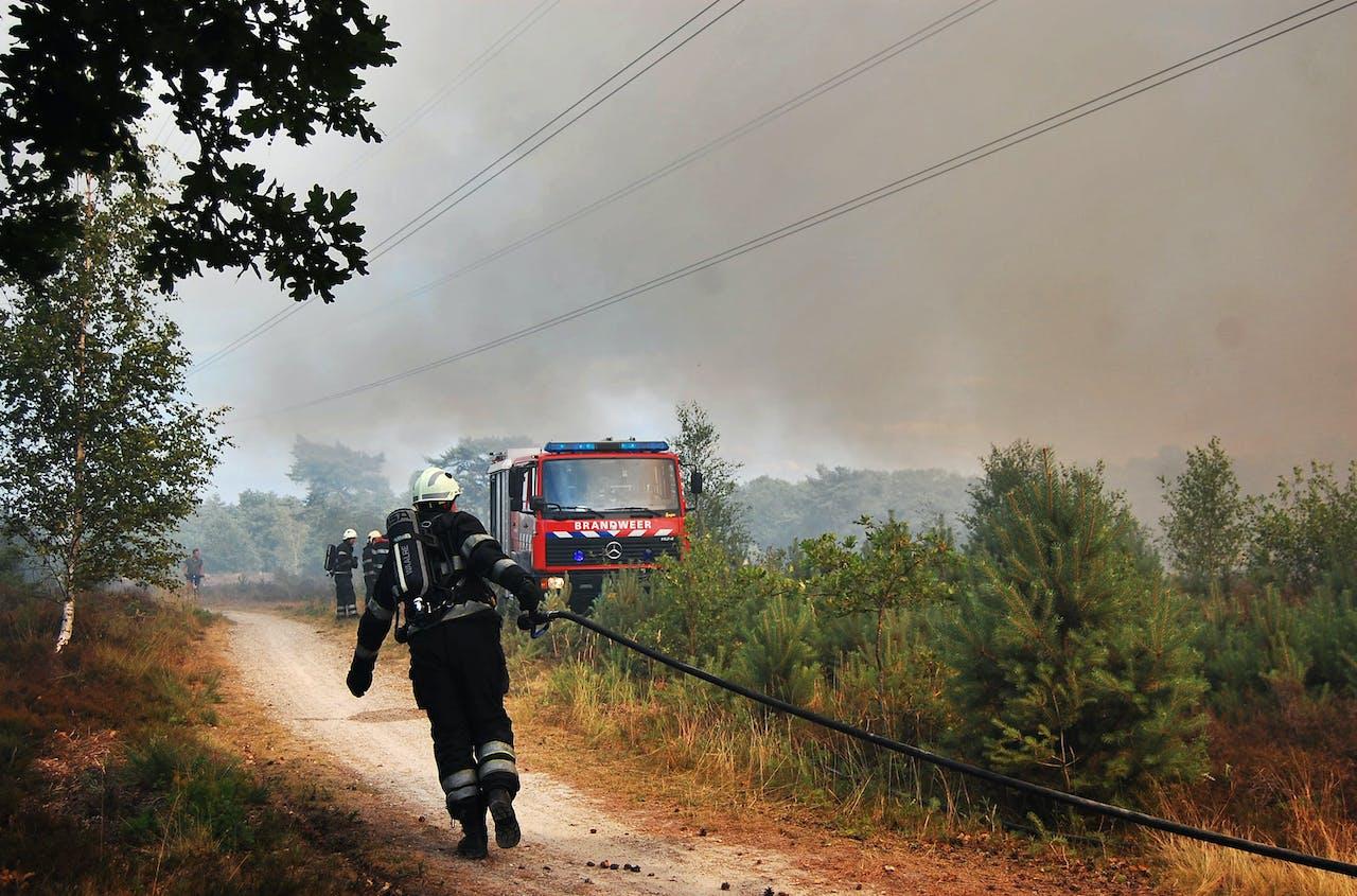 Foto: ANP - Brand op de Leenderheide bij Waalre