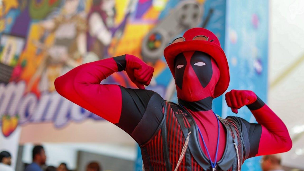 Triomfantelijke pose van dit Deadpool-personage, maar de film moest eerst door een productiehel van 10 jaar voordat 'ie er überhaupt was. Foto ANP