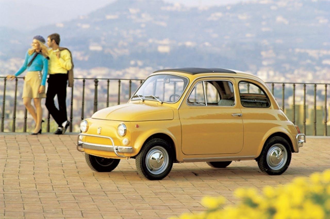 De Fiat 500 uit 1957 in het geel. De verkeerde kleur, vindt hotelier Roberto Payer